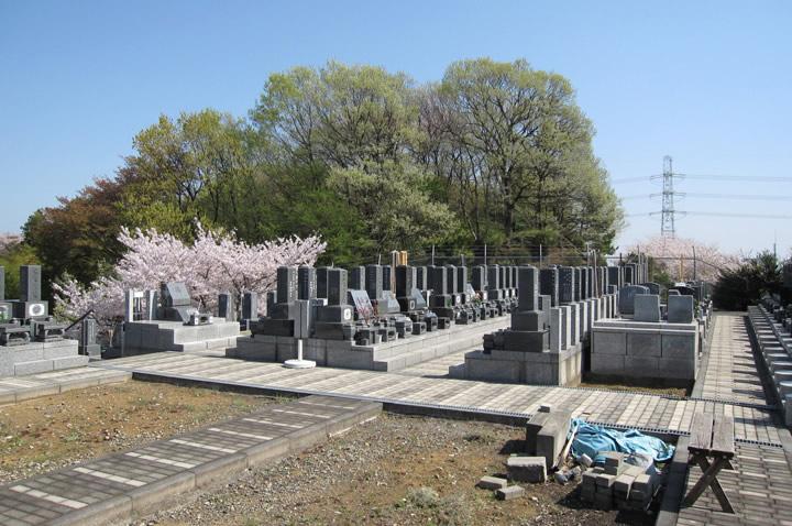 黒川光墓苑